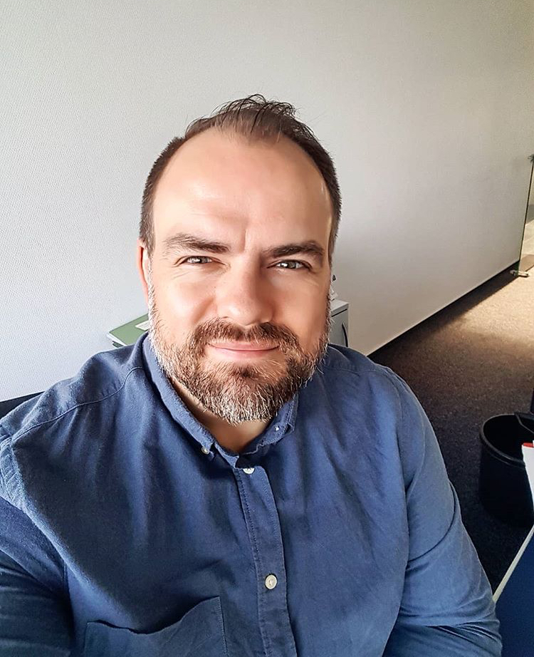 David Robins - hire at Join to Hire